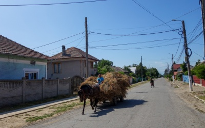 Wenn ein Mercedes eine Pferdekutsche überholt: Rumänien